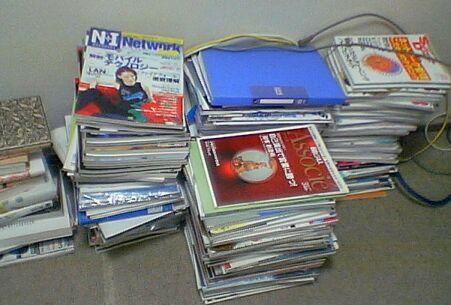 本棚に入りきらない書籍、雑誌